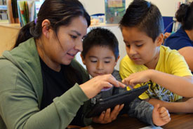 Comienza en Casa uses technology to help prepare children and families for the transition to school.